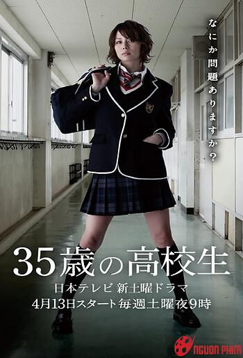 Nữ Sinh Trung Học 35 Tuổi
